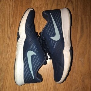 navy Nike running shoes